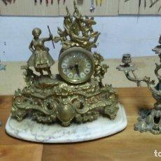 Vintage: RELOJ Y CANDELABROS DE BRONCE. Lote 177084113