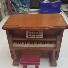 Vintage: CAJA MUSICA Y JOYERO EN FORMA DE PIANO. Lote 177476025