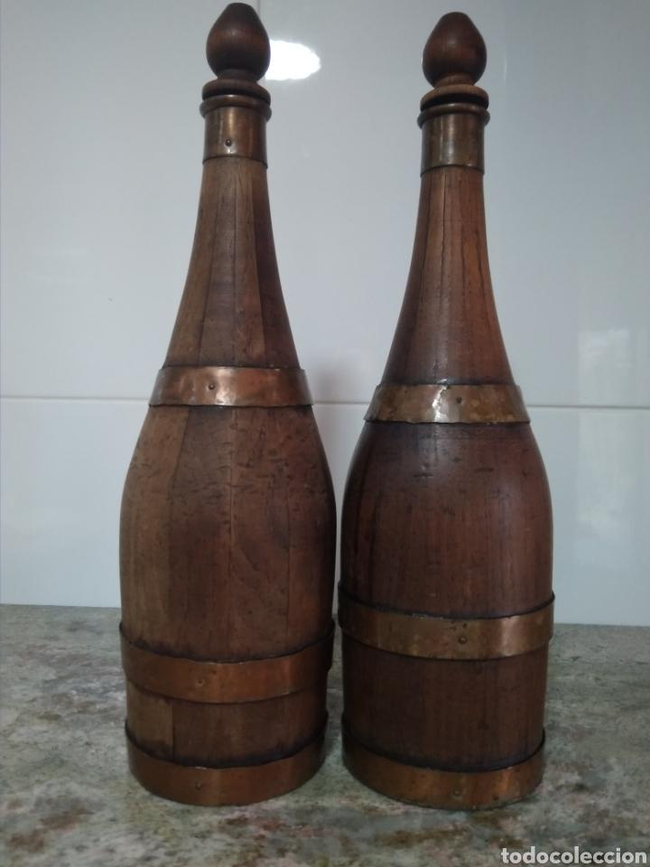 Vintage: 2 botellas decorativas de madera siglo XX - Foto 4 - 178353157