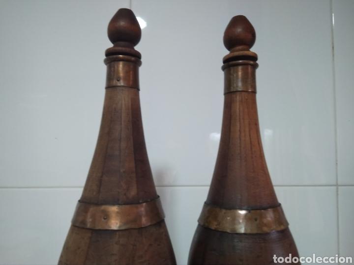 Vintage: 2 botellas decorativas de madera siglo XX - Foto 6 - 178353157