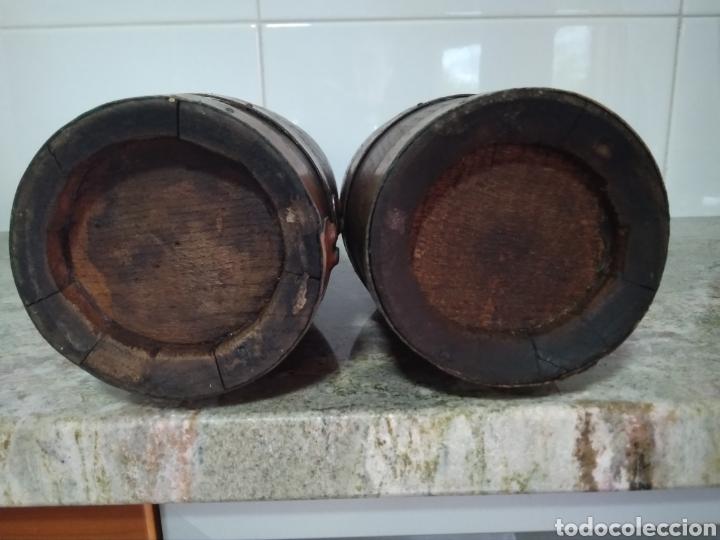 Vintage: 2 botellas decorativas de madera siglo XX - Foto 8 - 178353157