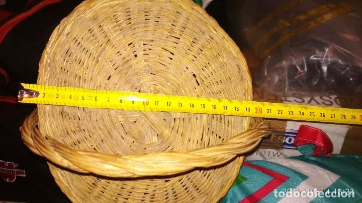 Vintage: Cesta pequeña de mimbre Con tapa - Foto 3 - 128637851