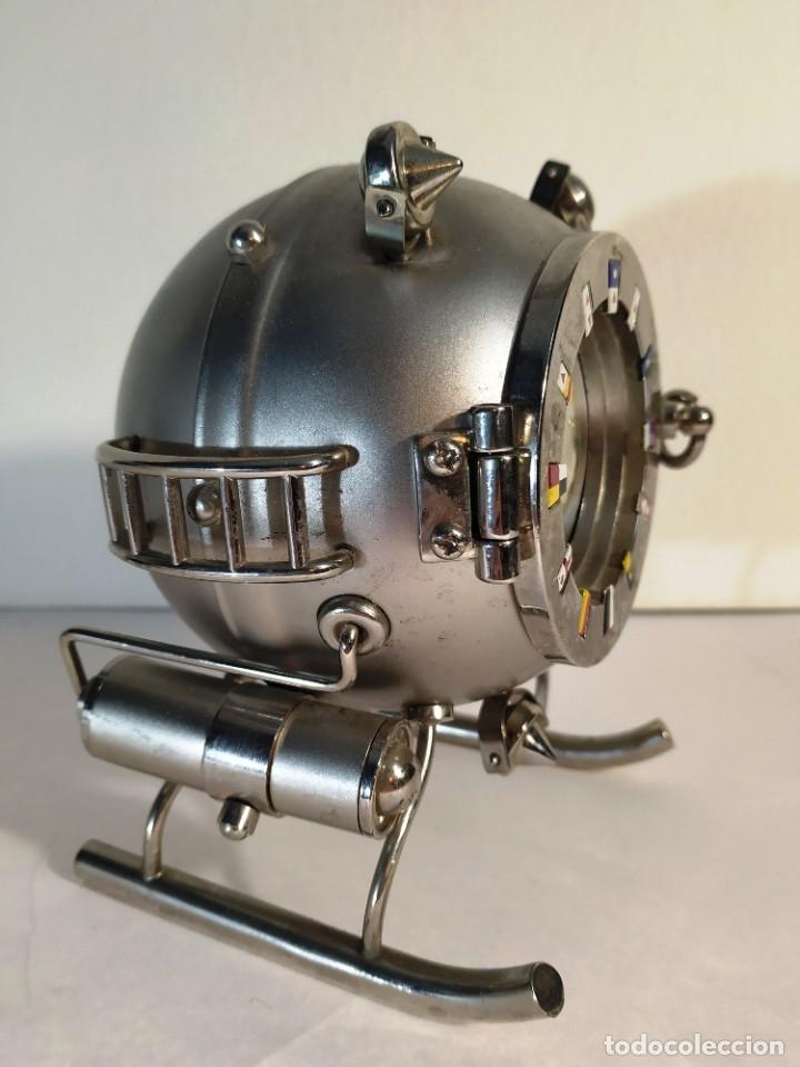 Vintage: Curioso reloj Batiscafo. Metal y esmalte. Funcionando a pilas. 12 x 14 x 10 cm. - Foto 3 - 180139790