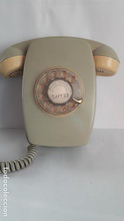 Vintage: TELÉFONO DE PARED MODELO HERALDO AÑOS 70. Números dorados. - Foto 2 - 180503631