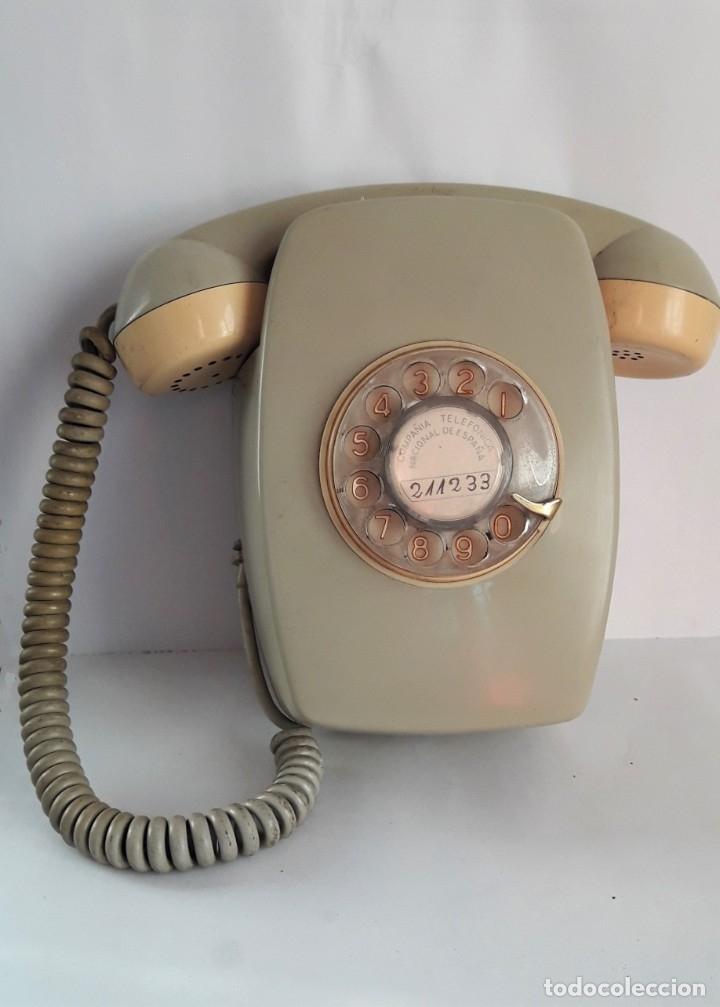 Vintage: TELÉFONO DE PARED MODELO HERALDO AÑOS 70. Números dorados. - Foto 3 - 180503631