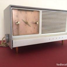 Vintage: ANTIGUA RADIO RELOJ DESPERTADOR - GRUNDIG - VINTAGE AÑOS 50 - FUNCIONANDO. Lote 181584778