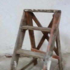 Vintage: ESCALERA DE MADERA. Lote 182196948