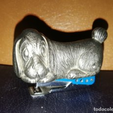 Vintage: PERRITO. GRAPADORA. INDUSTRIAS PETRUS. MADE IN SPAIN. METAL. VINTAGE. . Lote 182252716