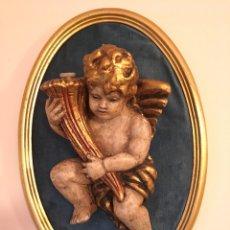 Vintage: ANTIGUO APLIQUE DE PARED - ANGELITO SOBRE TERCIOPELO CON MARCO DORADO - VINTAGE AÑOS 50-60. Lote 182878272