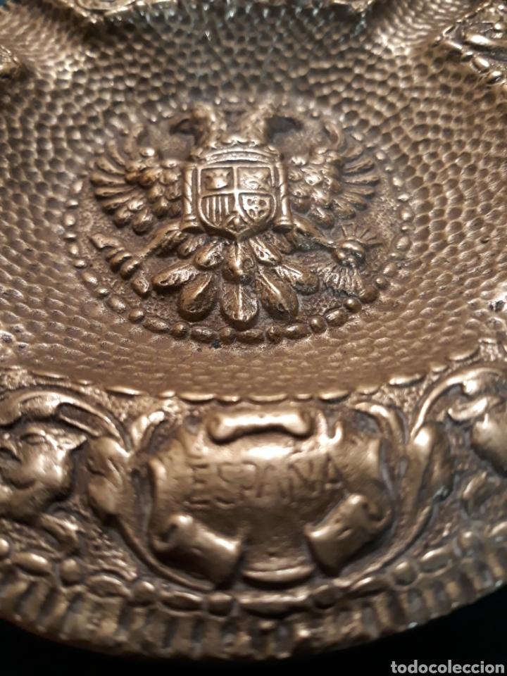 Vintage: Cenicero FRANCO Falange águila imperial Reyes Católicos España UNA GRANDE y LIBRE bronce MACIZO - Foto 2 - 183342362