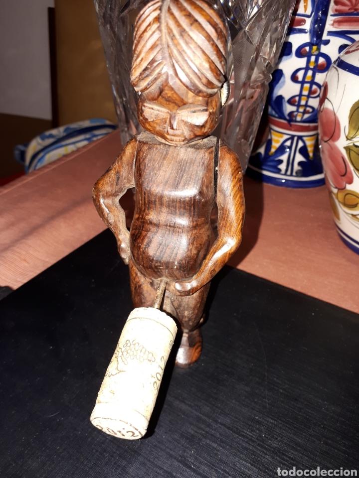 Vintage: Abribotellas ,saca colcho de madera tallada - Foto 4 - 184050828