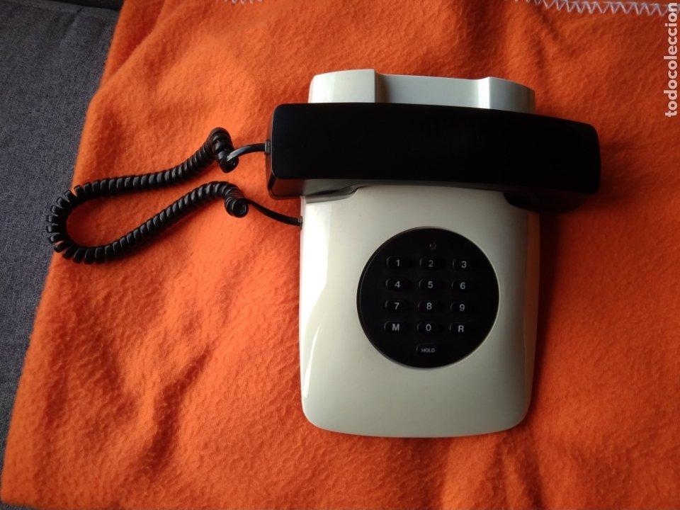 Vintage: Teléfono sobremesa siglo XX. En perfecto estado. - Foto 2 - 184273816