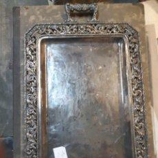 Vintage: BANDEJA DE METAL PLATEADO. MUY BONITA. 47 X 34. Lote 184983153