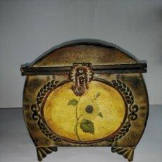 Vintage: COFRE DECORATIVO CON MOTIVOS FLORALES. Lote 186321991