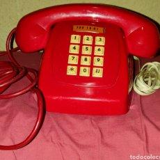Vintage: TELÉFONO HERALDO, DE LOS PRIMEROS EN BOTONERA, DE COLORROJO ORIGINAL (NO REPINTADO). Lote 186462246