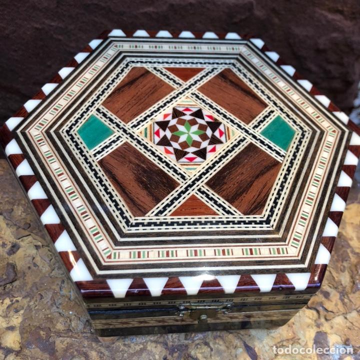 Vintage: Exclusiva caja joyero con música . Taracea de Granada. - Foto 2 - 186463420