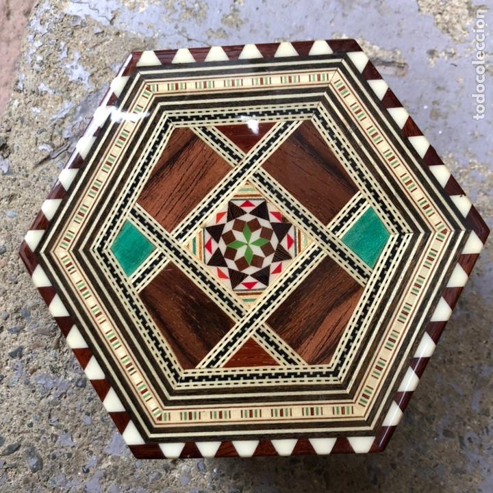 Vintage: Exclusiva caja joyero con música . Taracea de Granada. - Foto 3 - 186463420