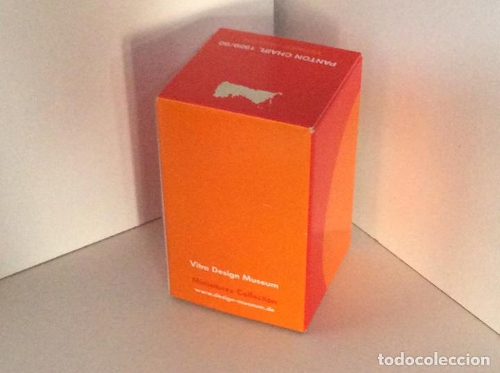 Vintage: ENVIO 8€. Silla PANTON miniatura color mandarina descatalogada de VITRA de 14.5cm en caja original - Foto 3 - 191169275