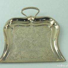 Vintage: ANTIGUO RECOGEDOR PLATEADO BONITOS DETALLES. Lote 191263030