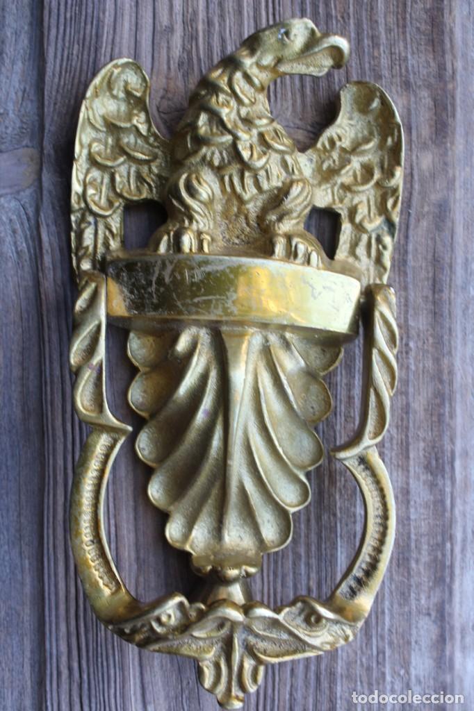 Vintage: ANTIGUA ALDABA o PICAPORTE LLAMADOR EN BRONCE CON AGUILA EN RELIEVE - Foto 6 - 192642093