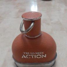 Vintage: ANTIGUA BOTELLA DE PERFUME TRUSSARDI ACTION VACIA. Lote 193396650