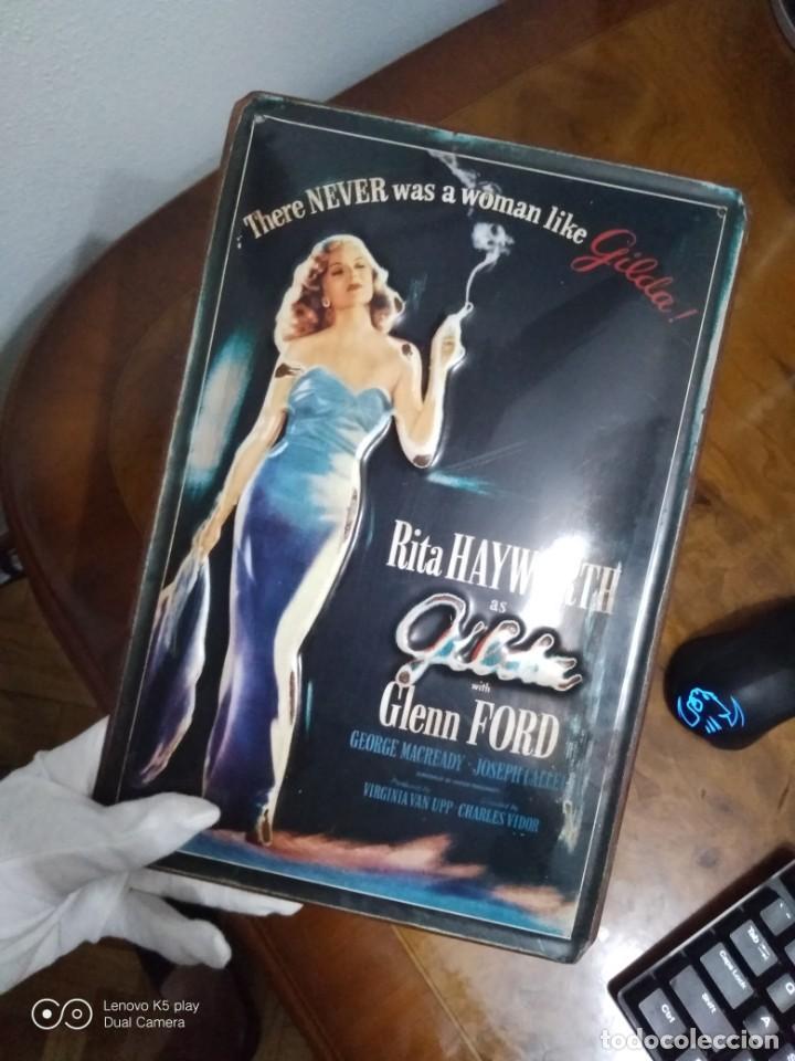 Vintage: Placa metálica Gilda. - Foto 3 - 194255048