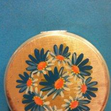 Vintage: HERMOSA POLVERA, MARGARITAS AZULES. INTERIOR CON ESPEJO. Lote 194297106