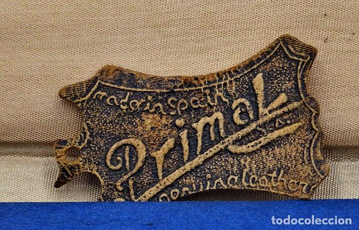 Vintage: Bloc de notas forrado de piel con dibujo en relieve de Quijote - Foto 3 - 194342753