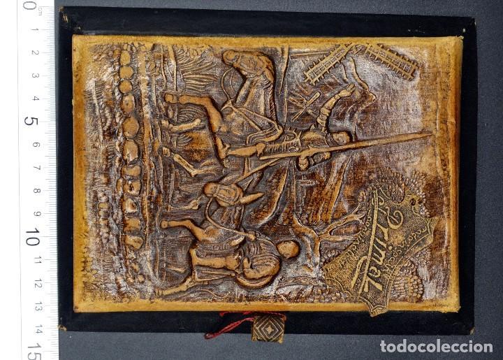 Vintage: Bloc de notas forrado de piel con dibujo en relieve de Quijote - Foto 5 - 194342753