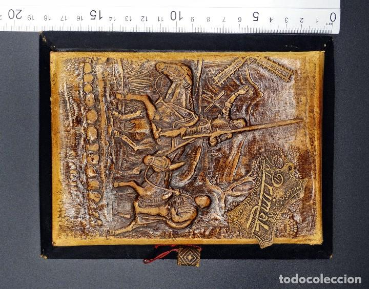Vintage: Bloc de notas forrado de piel con dibujo en relieve de Quijote - Foto 6 - 194342753