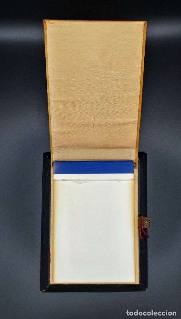 Vintage: Bloc de notas forrado de piel con dibujo en relieve de Quijote - Foto 7 - 194342753