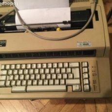 Vintage: MÁQUINA DE ESCRIBIR ELECTRÓNICA 6715 DE IBM. Lote 194535397