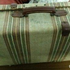Vintage: MALETA ANTIGUA, FORRADA DE TELA A RAYAS (55X33X15). Lote 194642571
