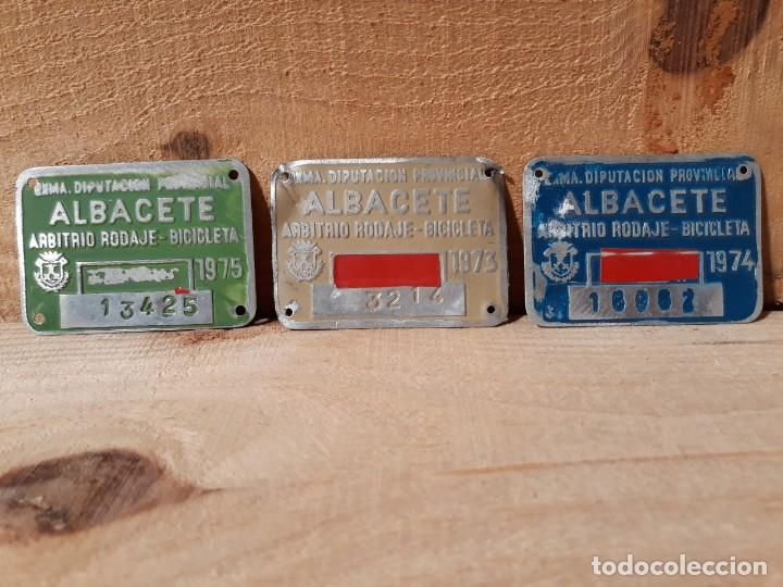 Vintage: MATRICULA ANTIGUA BICICLETA ARBITRIO RODAJE ALBACETE 1973 - Foto 2 - 194891136