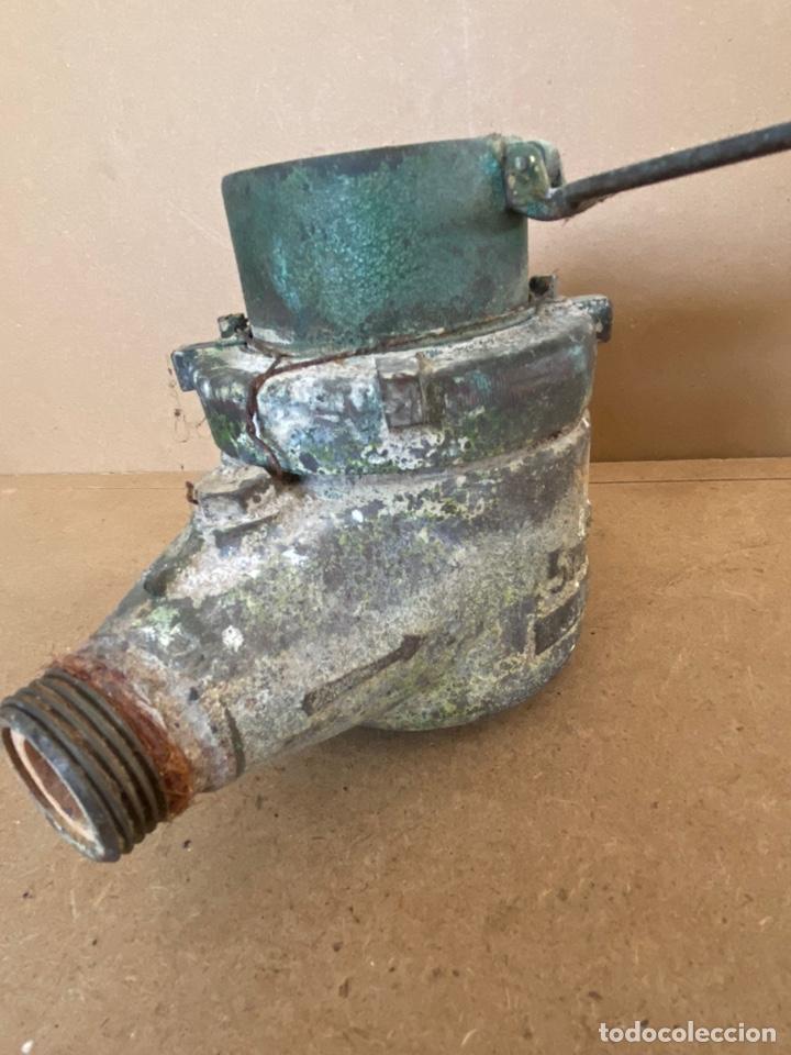 Vintage: Antiguo contador de agua en bronce Tavira, Elorriaga. Industrias españolas s.a. San Sebastián. 1965 - Foto 7 - 194936976