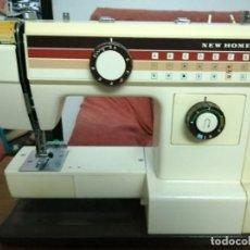 Vintage: MÁQUINA DE COSER NEW HOME MODELO 656 A (NO COMPROBADA). Lote 194971700