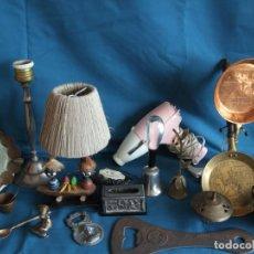 Vintage: NUMEROSOS ARTÍCULOS DECORACIÓN VINTAGE. METAL. BRONCE. LAMPARA, SECADOR. Lote 195185036