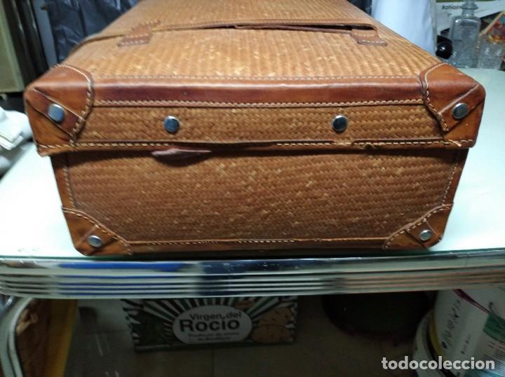 Vintage: Maleta marca Giovanni, Real Classic Styles, Trade Mark, Natural Explorer. Tiene fácil reparación. - Foto 7 - 195341226