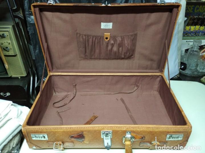 Vintage: Maleta marca Giovanni, Real Classic Styles, Trade Mark, Natural Explorer. Tiene fácil reparación. - Foto 8 - 195341226