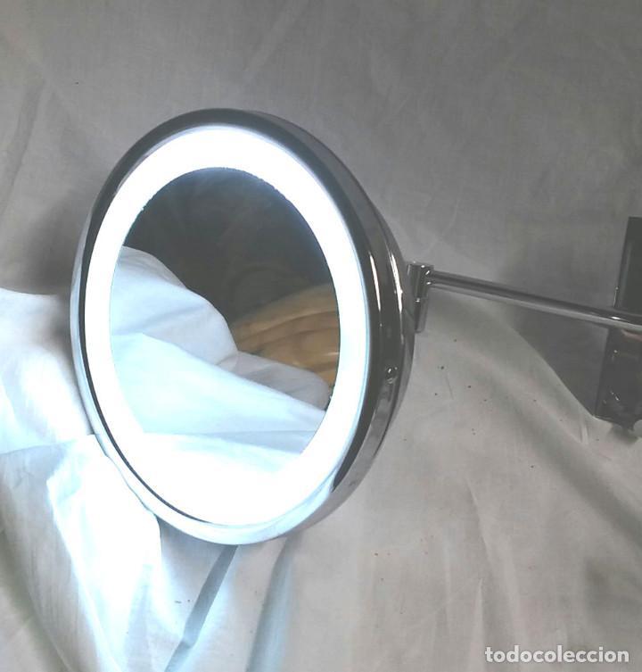 Vintage: Espejo aumento pared luz fluorescente 2 brazos, funciona, Med. espejo 24 cm - Foto 2 - 195358476
