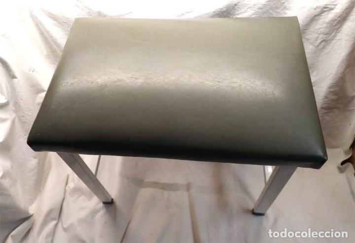 Vintage: Banqueta Sanitaria Industrial años 60, hierro y asiento escay, buen estado todo de origen - Foto 4 - 195358537