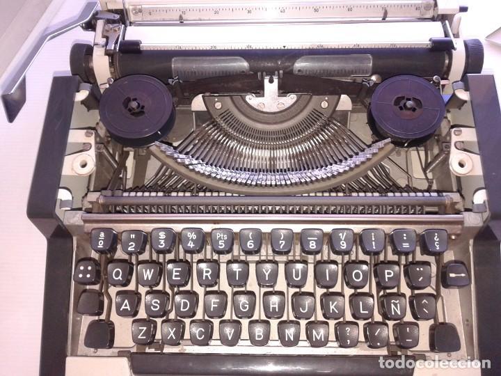 Vintage: Máquina de Escribir Olympia TRAVELLER - Foto 2 - 195371931
