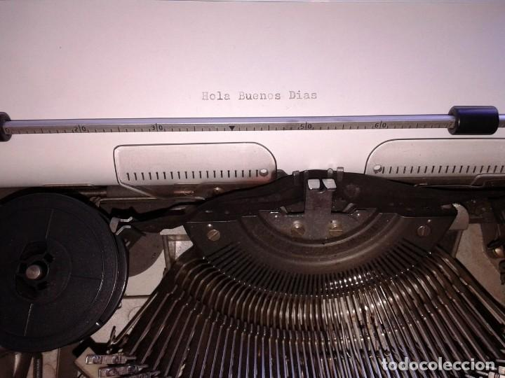 Vintage: Máquina de Escribir Olympia TRAVELLER - Foto 6 - 195371931