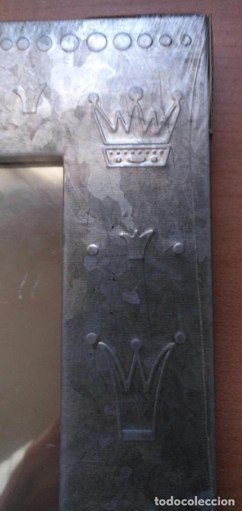 Vintage: Pequeño espejo para colgar con marco estaño - Precintado - 24cm x 18cm x 1.50cm - Por estrenar - Foto 4 - 207574463