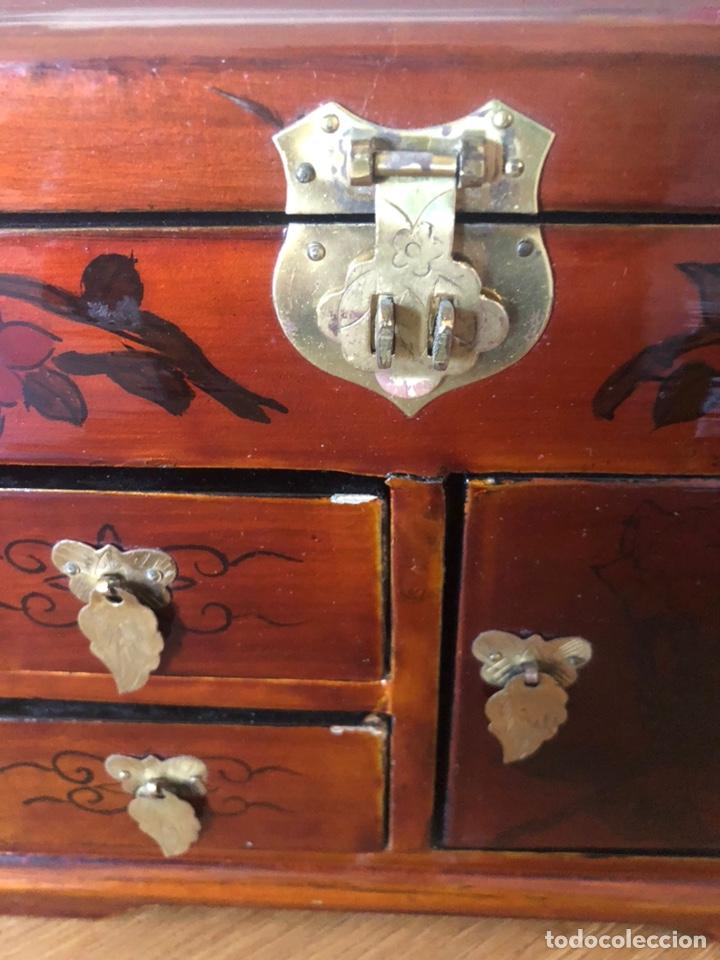 Vintage: Joyero antiguo esmaltado y pintado a mano. Medidas 22x19x10 - Foto 3 - 197349815