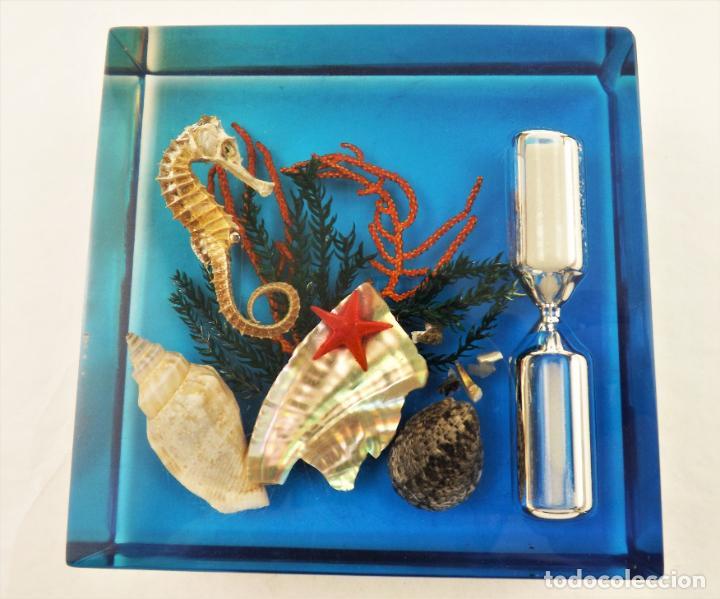 Vintage: RELOJ DE ARENA. PISAPAPELES EN RESINA DE METACRILATO - Foto 3 - 199655633