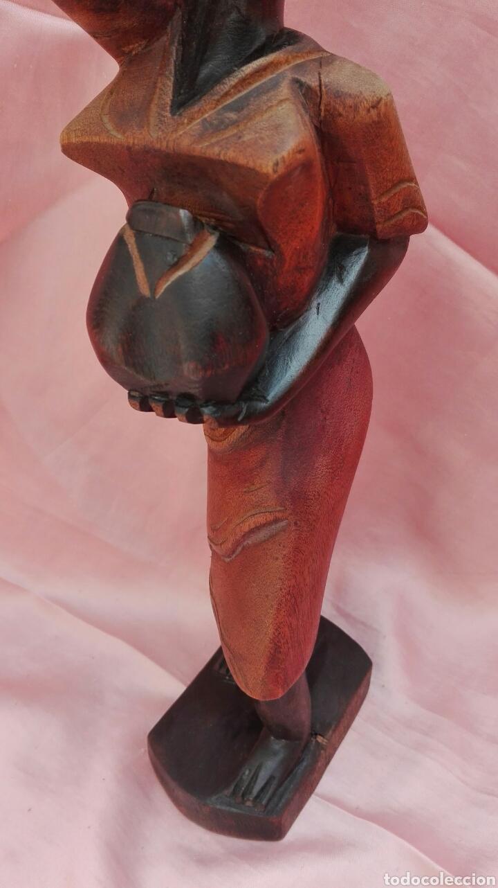 Vintage: Figura de mujer color negro de madera maciza - Foto 6 - 200755260