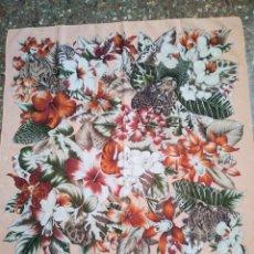 Vintage: PAÑUELO CASTELLANI FLORES TIGRES. Lote 201648175