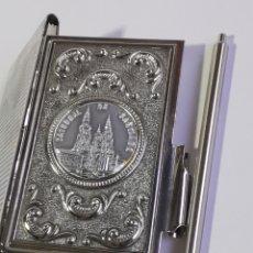 Vintage: AGENDA VINTAGE LISTIN TELÉFONICO CATEDRAL DE SANTIAGO. 9 CM.. Lote 205577203