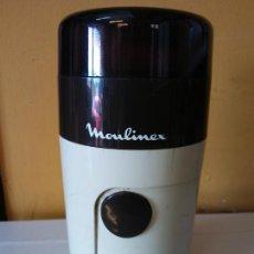 Vintage: MOLINO PARA CAFÉ MOULINEX. MUY PRÁCTICO. MEDIDAS ALTO 17 CM DIÁMETRO 8 CM. Lote 206235307